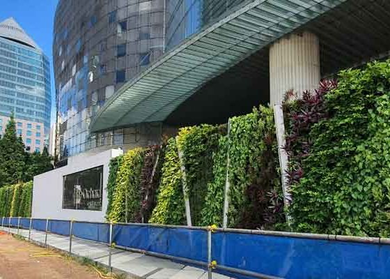 ion-orchard-green-wall