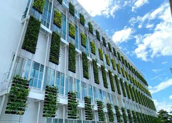 republic-polytechnic-green-wall-2